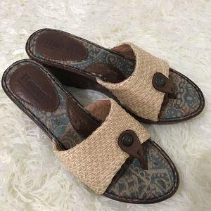 Born top woven sandals